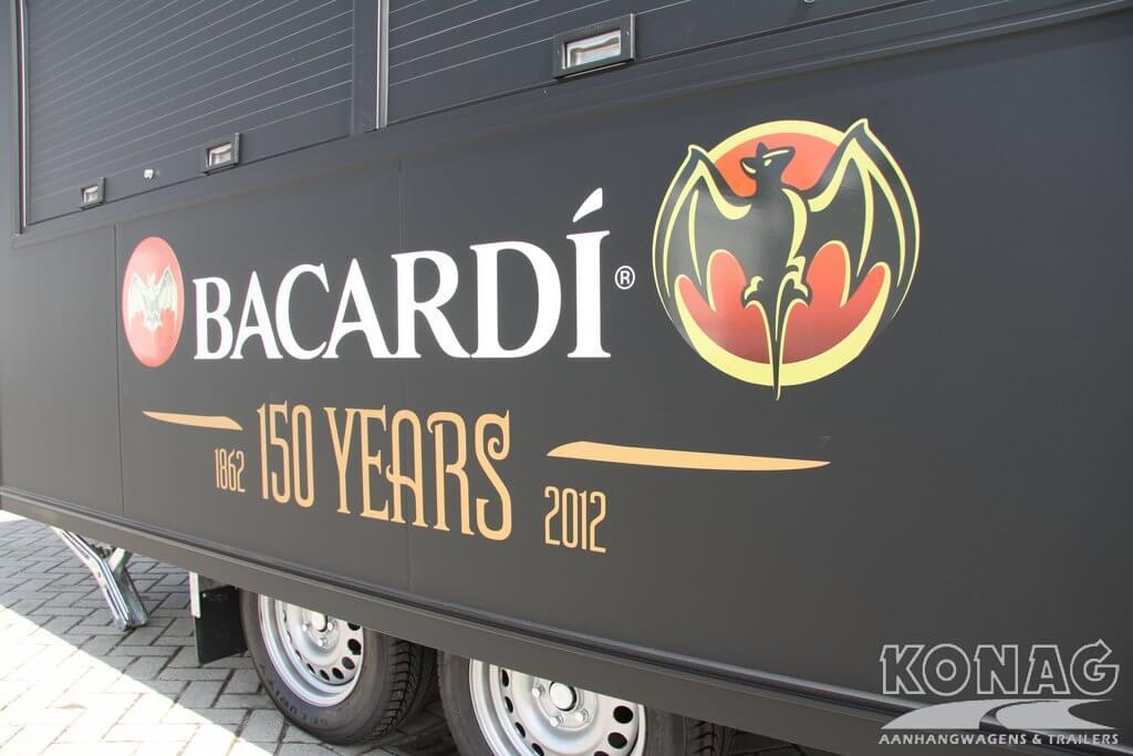Bacardi reclame op drankenwagen van Konag