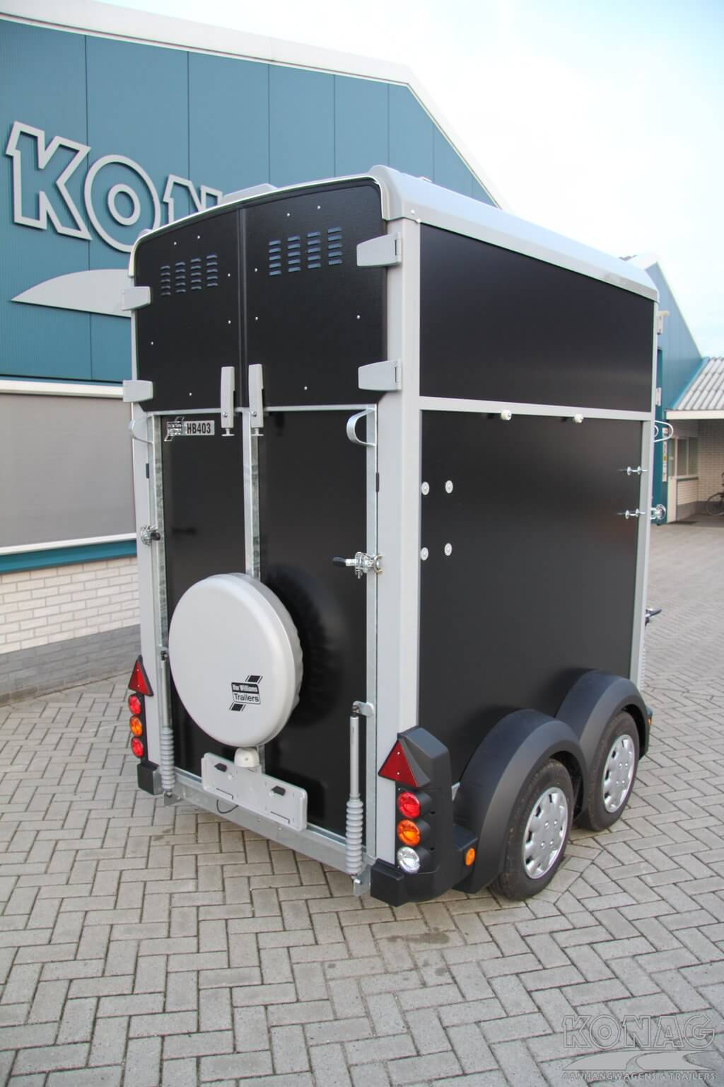Ifor Williams HB403 1,5 paardstrailer achterzijde