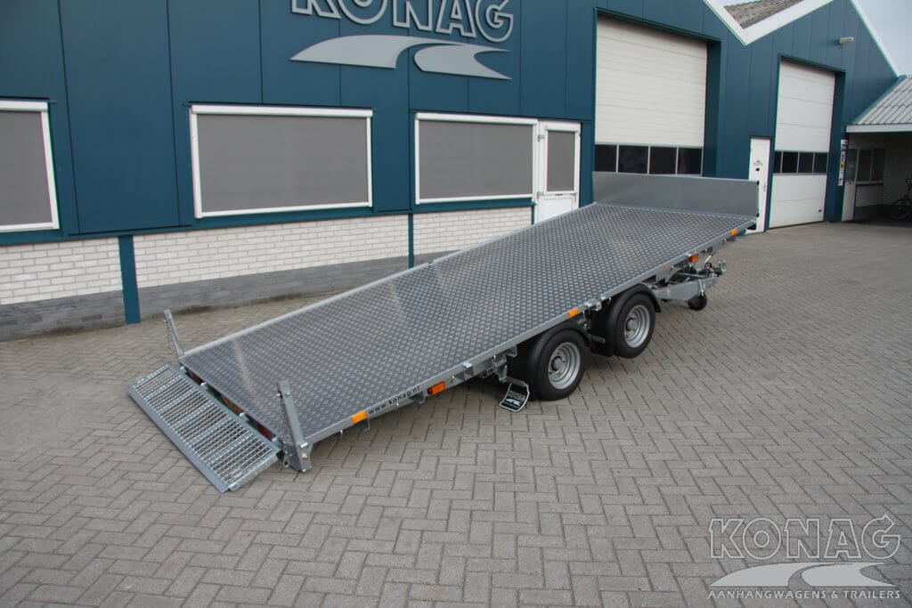 Ifor Williams CT166G machinetransporter, gekanteld