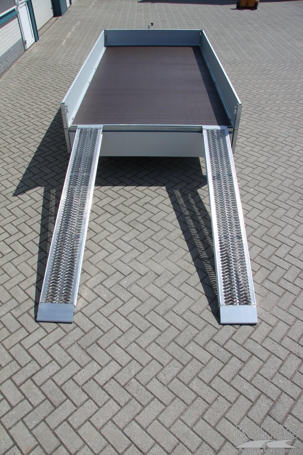 Aluminium rijplaten aan aanhangwagen
