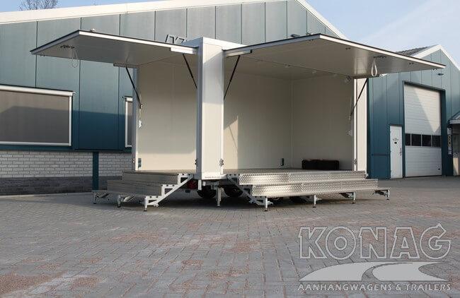 Konag presentatiewagen met trappen en dubbele klep