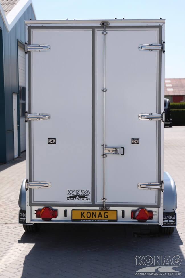 Koelwagen 300x150x200 met vleeshangsysteem achterkant