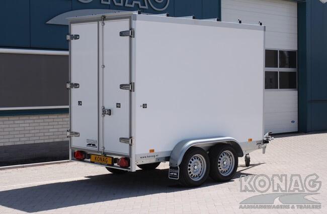 Koelwagen 300x150x200 met vleeshangsysteem achterzijde