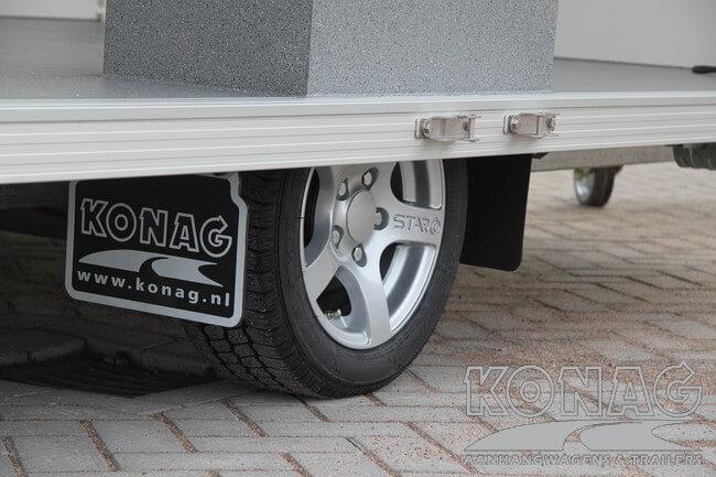 Konag promotiewagen met zijkleppen