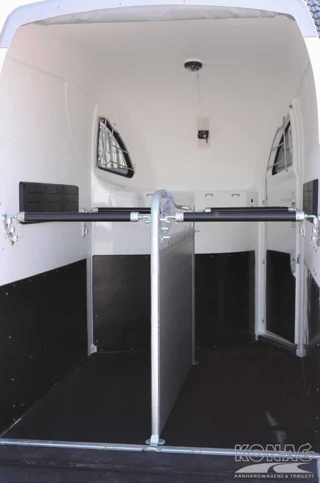 Careliner 2paardstrailer trapbescherming op zadelkamer en instapdeur